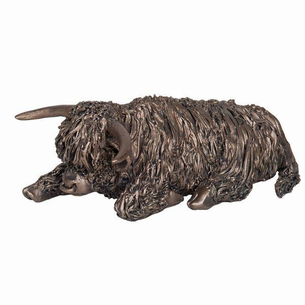 Highland Bull - Sitting medium